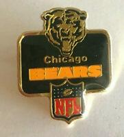 VINTAGE NFL CHICAGO BEARS PIN 1986 PETER DAVID INC LAPEL HAT METAL FOOTBALL PIN