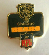 VINTAGE NFL CHICAGO BEARS PIN 1986 PETER DAVID INC LAPEL HAT METAL FOOTBALL PIN