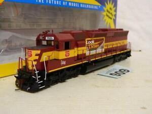 Athearn HO Gauge Wisconsin Central SD45 Diesel Loco 7526 Box 95391 DCC Ready