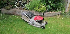 Honda Petrol Self Propelled Lawnmower HRB476C spares or repair.