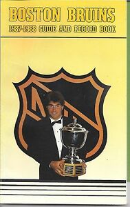 1987-88 BOSTON BRUINS Official Yearbook  Ray BOURQUE Cam NEELY GORD KLUZAK