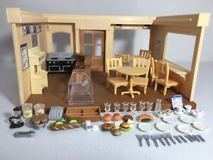 Calico critters/sylvanian families Blackcurrent Cafe Restaurant W Accessories