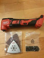 Milwaukee M18 2626-20 Cordless Multi-Tool Oscillating 18 Volt 18V w/ accessories