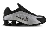 Nike Shox R4 Trainers Black / Silver 104265-045 UK 7.5 EUR 42 CM 26.5