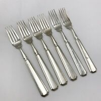 T151 : Set of Vintage Silver Plated Cutlery Dinner Table Forks. W1