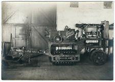 Photo  vintage - tracteur de vigne Mars Bézier 1920 charrue
