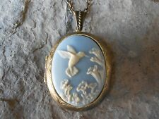 HUMMINGBIRD CAMEO LOCKET (ON BLUE)- ANTIQUE BRONZE, VINTAGE LOOK, UNIQUE