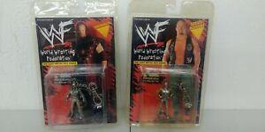 2-1998 Steve Austin and The Undertaker Diecast WWF Metal Key Chains MOC Shelf K4