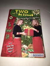 The Perfect Gift (Two of a Kind, 26) Mary-Kate And Ashley Book
