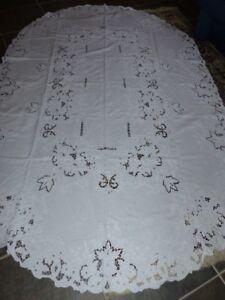 """"""" Richelieu """" Tischdecke Leinen  weiß oval 250 x 160 cm # 217"""