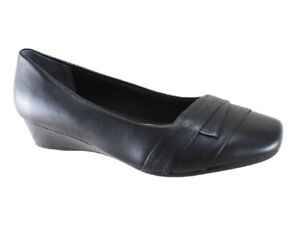 New Supersoft by Diana Ferrari Renzo Black Leather Low Wedge Size 6