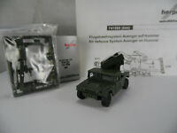 ht358, Roco / Herpa 741569 HUMMER Humvee + Avenger air defence / Minitanks / NEU