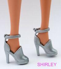 "BARBIE ""generation girl"" silver pumps"