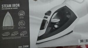 Steam Iron stainless steel soleplate for optimal glide  220 mL Self-Clean