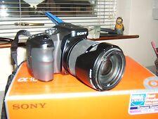 Sony Alpha A100H 10.2MP Digital SLR Noir avec 18-200 mm Objectif Zoom
