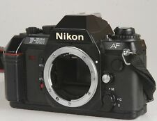 Nikon F-501 AF Gehäuse #5671470 inklusive Deckel, Riemen