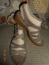 DANSKO DANI ICE 38 7.5 8 Strappy Textured Taupe Beige Leather Wedge Sandal Shoes