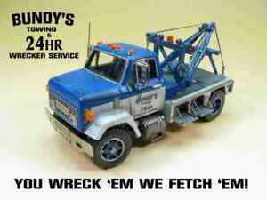 HO Scale 70s 9500 GMC Short Wheelbase Wrecker Kit by Showcase Miniatures (3003)