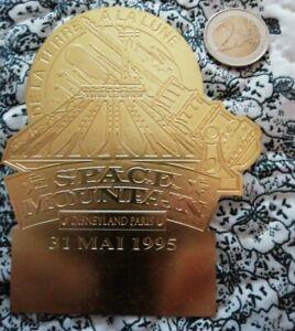 Rare badge disney space mountain 31 mai 1995 disneyland paris