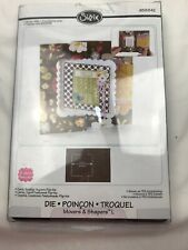 Sizzix Stephanie Barnard Movers & Shapers L Card, Scallop Squares Flip 658842