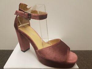 Lavish and Squalor Lassas Pink Velvet High Heel Sandal Size 42