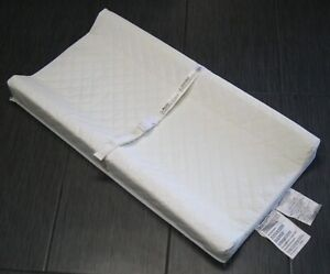 SUMMER INFANT Baby Child Contoured CHANGING PADS with Bealt Buckles WHITE
