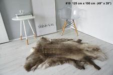 Tapis en fausse fourrure et peaux multicolore pour la chambre