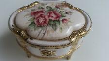 Spieldose aus Porzellan