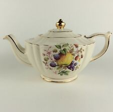 1960 SADLER TEAPOT England Fruit pattern ribbed Cream Gold gilt 2291 Tea Pot