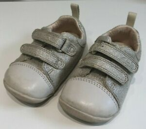CLARKS BABY INFANT TODDLER SHOES SIZE 3.5 G