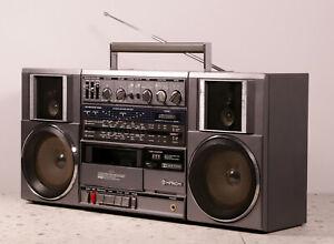 HITACHI TRK-9100 stereo portable cassette radio recorder boombox serviced 1983