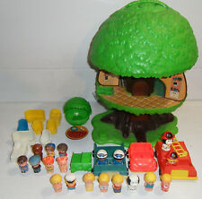 VG 1976 Vintage Kenner Tree Tots Play Family House, Figures, Chairs, Cars+MORE