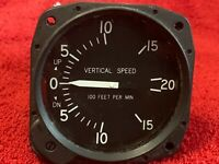 UNITED INSTRUMENTS VERTICAL SPEED INDICATOR P/N 7000