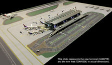 Gemini Jets Airport Terminal With Air Bridges and Lights Scale 1/400 Gjarptb. SH