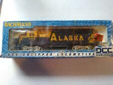 Ho Scale Bachmann Alaska Gp-40 Dcc Equipped Locomotive