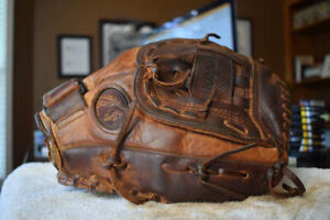 Nokona BCF 1250 Softball/Baseball Glove
