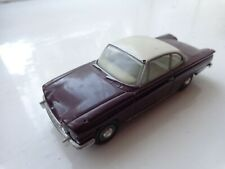 1/43 CORGI VANGUARDS VA34002 IMPERIAL MAROON / WHITE FORD CAPRI 109E CAR