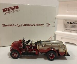 DANBURY MINT 1926 MACK AC ROTARY PUMPER FIRE ENGINE TRUCK DIECAST 1:32 SCALE NEW