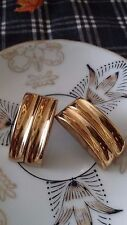 in a Rectangle Wavy Design Vintage Style Gold Tone Post Earrings