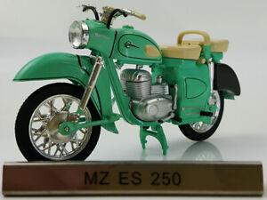 New 1/24 Scale MZ ES 250 Green Motorcycle Static Display Die-cast Metal Model