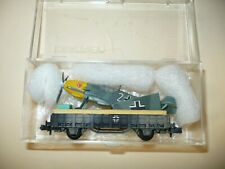 WW2 Luftwaffe - N scale - camouflaged gondola car w/ ME 109 fighter - has a case
