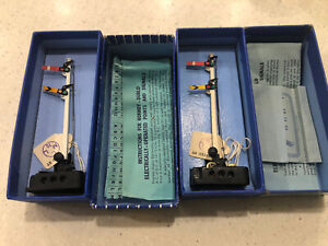 HORNBY DUBLO 2x ED2 Electrically Operated Signals Boxed