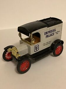 Ertl 1913Replica Ford Model T Van Imperial Palace Las Vegas 1:25 Scale Coin Bank