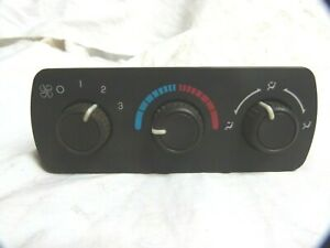 03 04 05 06 Chevy Tahoe GMC Climate Control Panel Switch AC Heat Temp 15112018