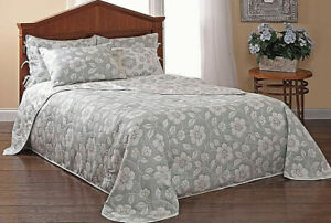 STYLEMASTER CLASSIC DECOR REVERSIBLE FLORAL QUEEN SIZE BEDSPREAD, GRAY & WHITE