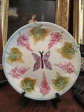 ancienne assiette barbotine decor papillon et vigne 19 eme