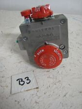 ROBERTSHAW R110RTS 110-326 Water Heater Valve/Thermostat 110-32F