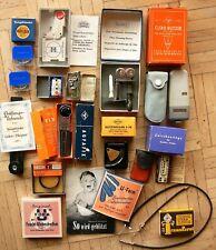 Konvolut altes Foto-Zubehör - Zeitauslöser, Blitze, Belichtungsmesser etc.