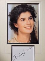 IRENE JACOB - POPULAR FRENCH BORN ACTRESS - STUNNING SIGNED COLOUR DISPLAY