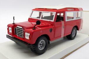 Burago 1/24 Scale Model Car 18-22063 - Land Rover Series II - Red